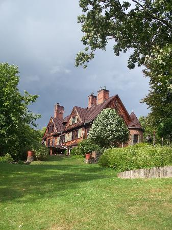 "Naumkeag: the ""cottage"""