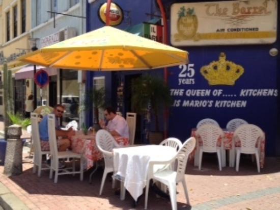 Il Barile da Mario Bar Restaurant: Outdoor seating area
