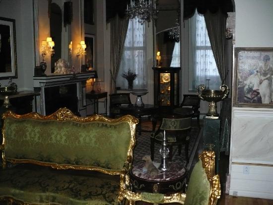 Le Chateau du Faubourg: un des salon de la maison
