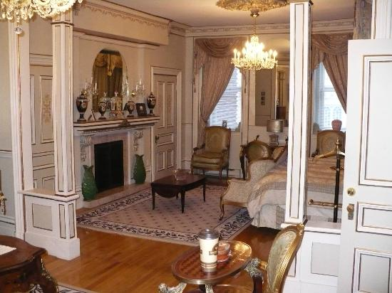 Le Chateau du Faubourg: un autre salon de la maison