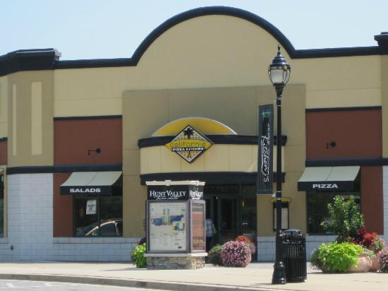 California Pizza Kitchen : Entrance