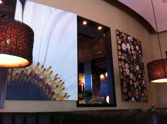 Cabana Grill: Some of the interesting decor