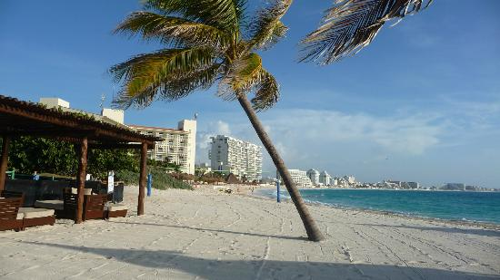 GR Caribe by Solaris: Morning walks on the beach