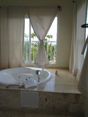TRS Turquesa Hotel: Jacuzzi on the upstairs balcony of presidential suite