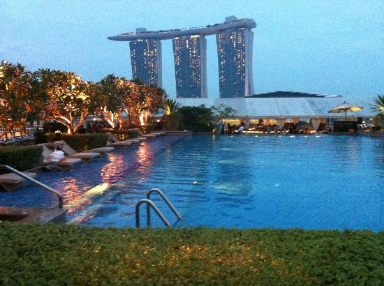 The Fullerton Bay Hotel Singapore: Pool