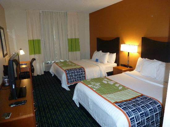 Fairfield Inn & Suites Memphis East/Galleria : View of room