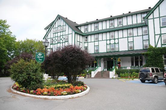جليميل إن: Front of hotel 