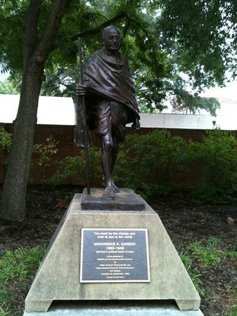 Wells Fargo Imax Theatre: Gandhi's statue at the entrance of IMAX