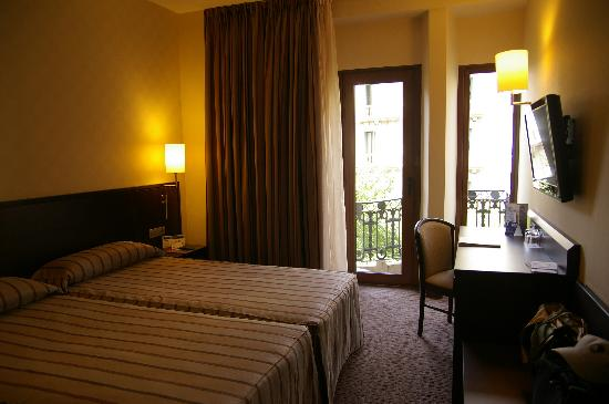 Hotel HCC Regente: シックですが、少々ぱりっと感に欠ける感じでした。