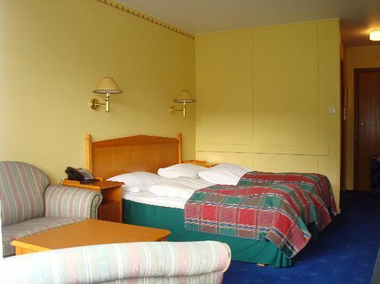 Kviknes Hotel: habitación