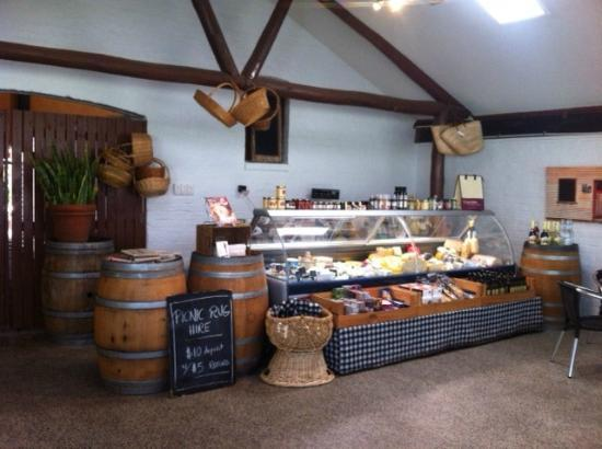 Houghton Cafe: Deli cafe cheese cabinet