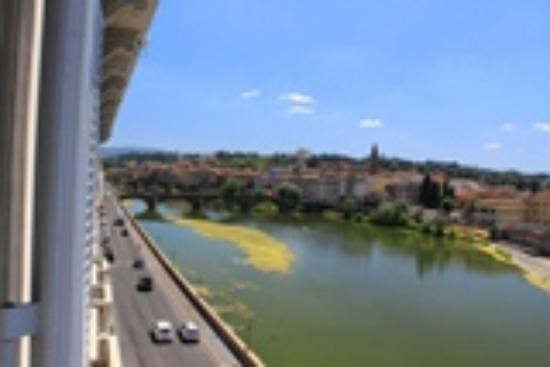 The St. Regis Florence : Beautiful view of Arno River from room