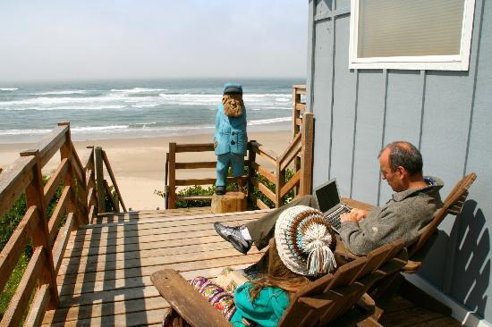 Moolack Shores Motel: Nook where you can get internet, protected from the wind and with a view