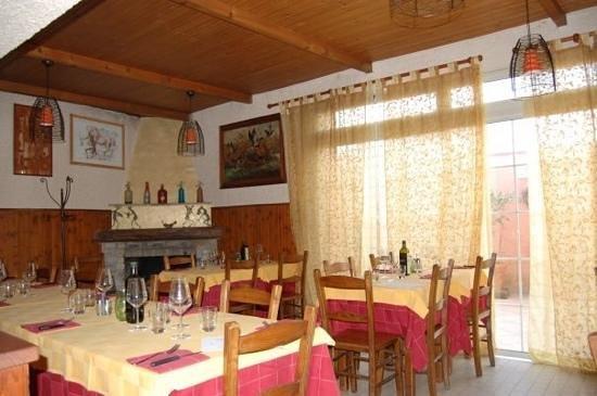 Piano di Mommio, Italy: terza sala