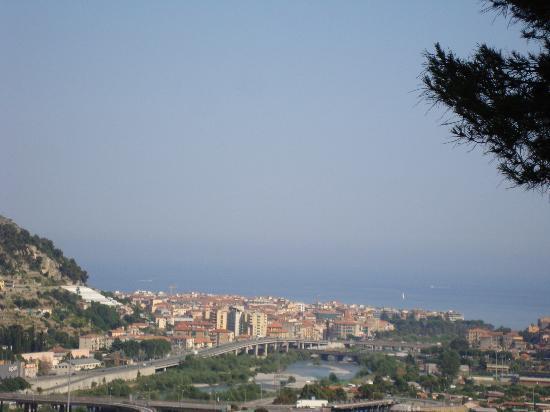 Villaggio del Sole : Veduta di ventimiglia dal balcone
