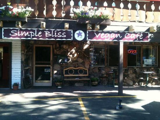 Simple Bliss Vegan Cafe: Your home away from home!