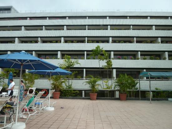 Piscine h tel concorde singapour picture of concorde for Hotel singapour piscine