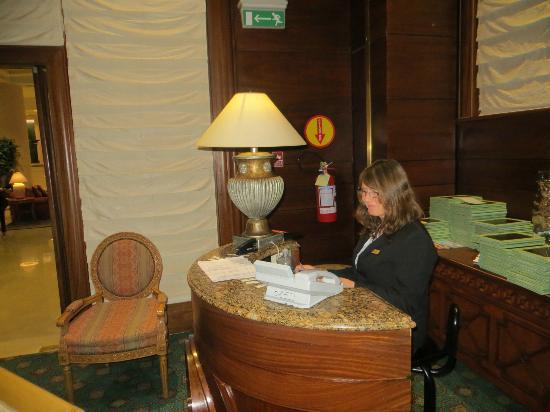 St. Tropez: Nancy, sempre recebendo bem os hóspedes