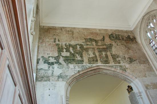 The Guild Chapel: ギルド教会内部中央の15世紀末に描かれたフレスコ画
