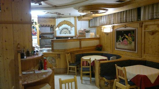 Ristorante ristorante pizzeria ai canopi in trento con for I cucina indiana