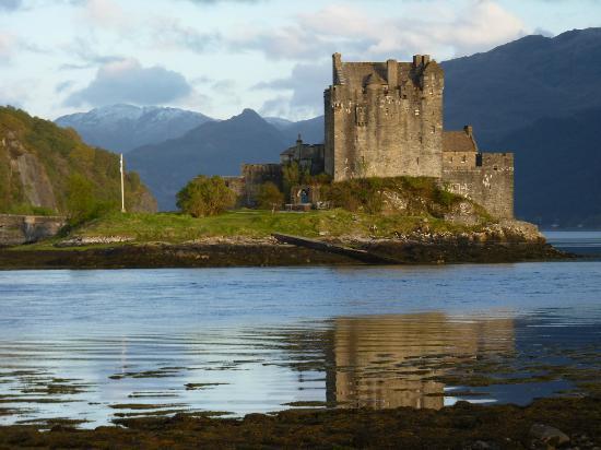Balmacara Mains Guesthouse: Eileen Donan Castle