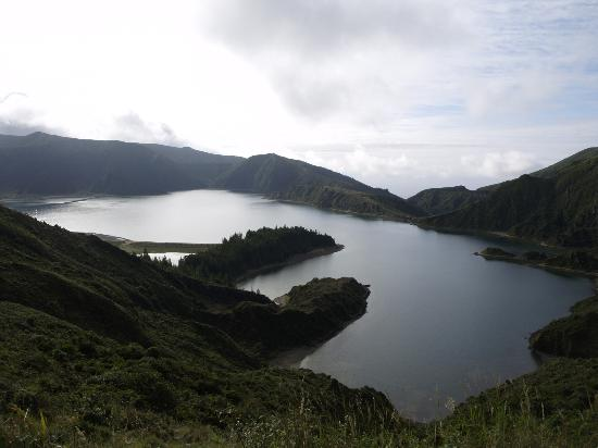 Lagoa do Fogo: The crater in the morning