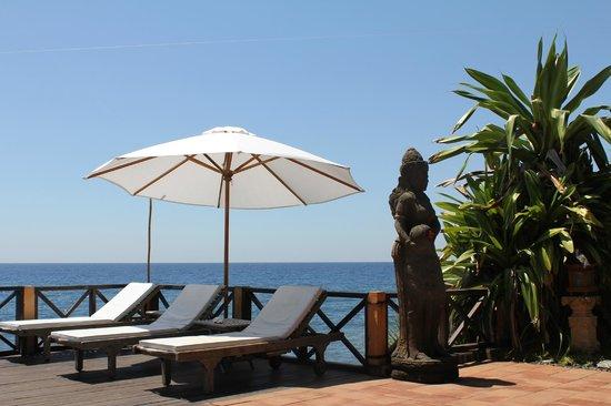 Villa Boreh Beach Resort and Spa Hotel: Ausblick vom Pool am Restaurant