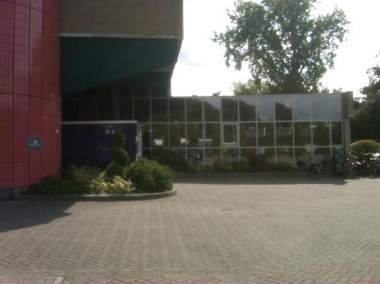 Ibis Rotterdam Vlaardingen: Outside