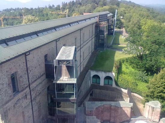 Castello di Rivoli Museum of Contemporary Art: Vista dal ponte