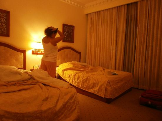 New Angkorland Hotel: our twin beds room