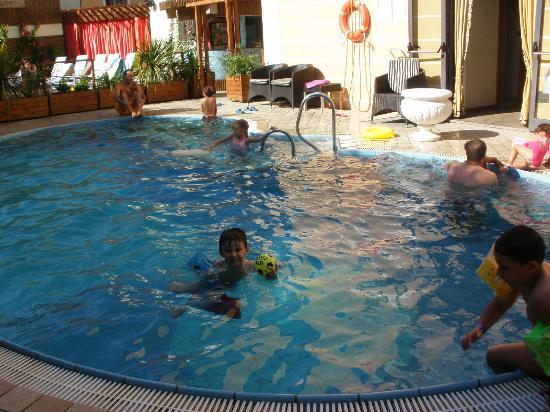 Hotel Mediterraneo Club Benessere : piscina