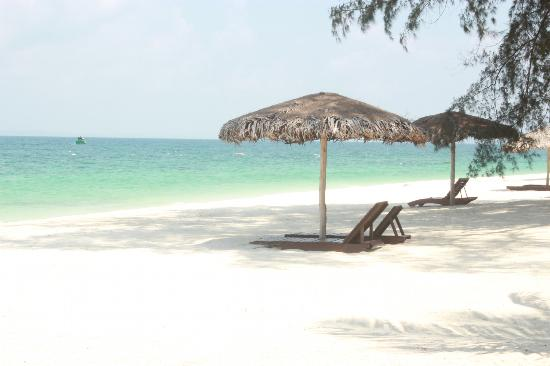 D'Coconut Resort: relax at the beach