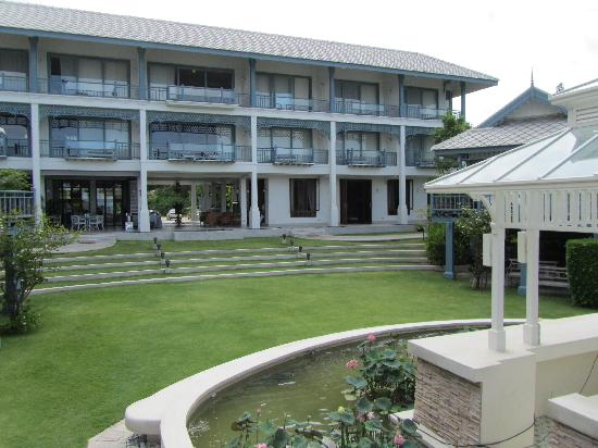 Devasom Hua Hin Resort: Main building