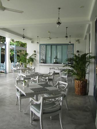 Devasom Hua Hin Resort: Cafe for breakfast