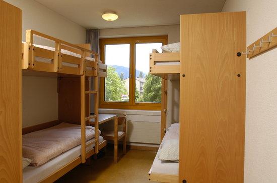 zweierzimmer bild von jugendherberge zug zug tripadvisor. Black Bedroom Furniture Sets. Home Design Ideas