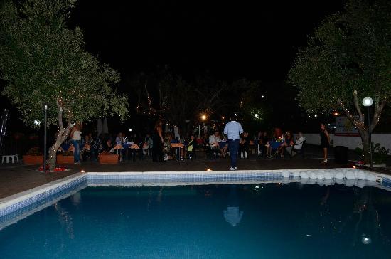 Residence Resort Capo d'Arena: Cenaspettacolo di Ferragosto