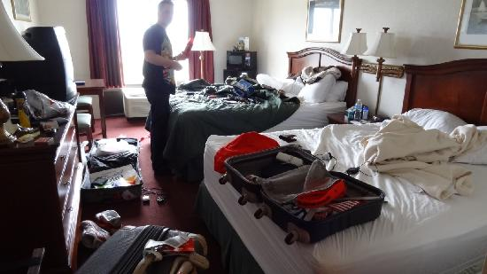 Comfort Inn Middletown: Our Room - After we had trashed it!