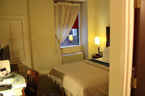Park South Hotel : chambre lit queen size