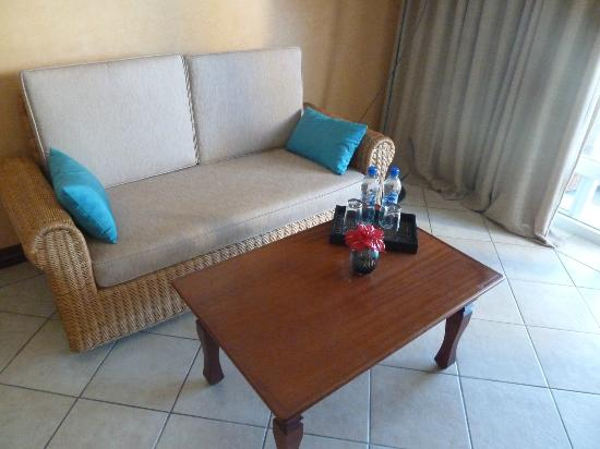 Sands Suites Resort & Spa: Sofa Area