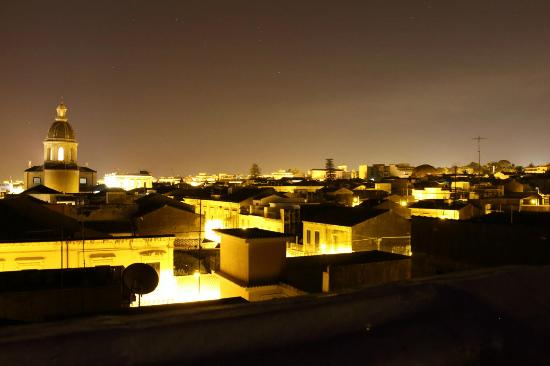 B&B di Charme Camelie: Night time view over Riposto from the terrace