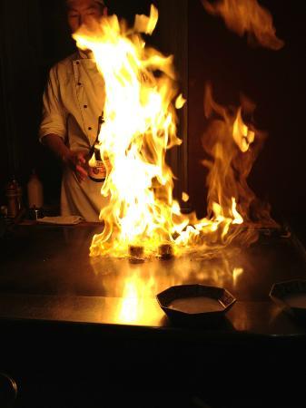 Rocks Teppanyaki: Flambé!