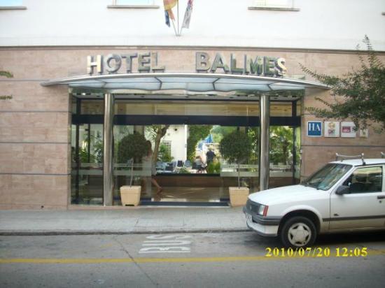 Hotel GHT Balmes & Apartments: Der Hoteleingang