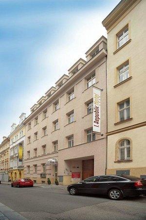 1.Republic: Hotel 1. Republic