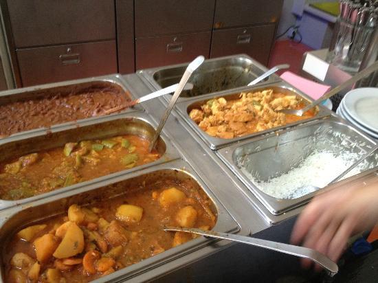 Der Wiener Deewan: buffet