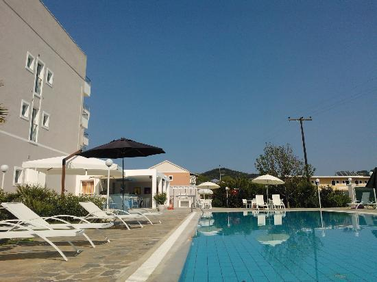 Sidari Beach Hotel: Piscina grande