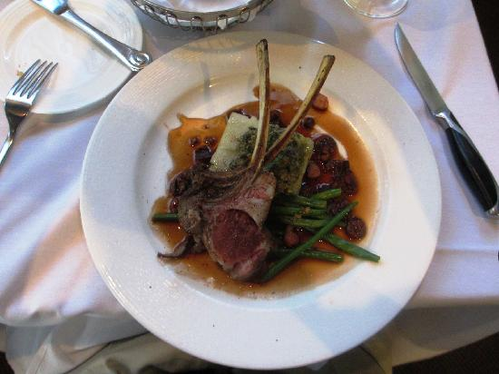 Undercurrent Restaurant: Rack of Lamb