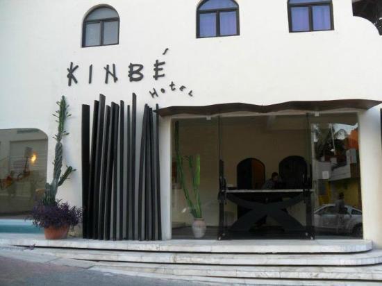 Kinbe Hotel: Front Entrance 