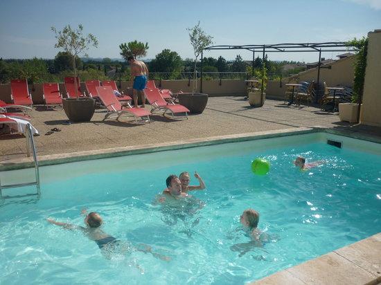 Hotel Les Nevons: Zwembad op het dak.
