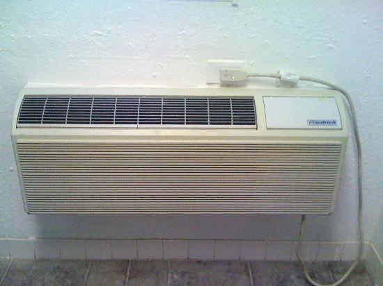 Ranch House Inn & Suites: Air Conditioner