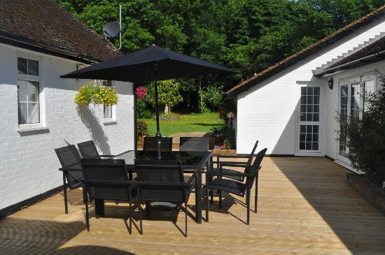 Fir Trees Bed & Breakfast: Courtyard